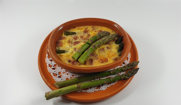 Asparagus season - too good to miss!